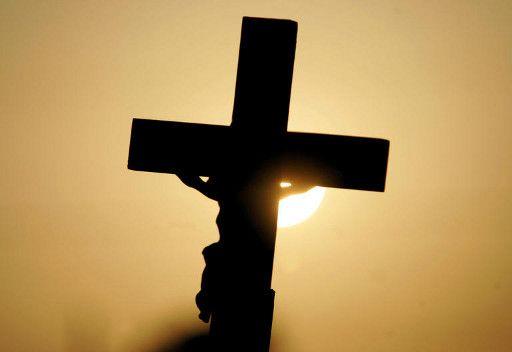 في مصر.. السجن المشدد لأسرة مسلمة تحولت الى المسيحية بهدف الميراث