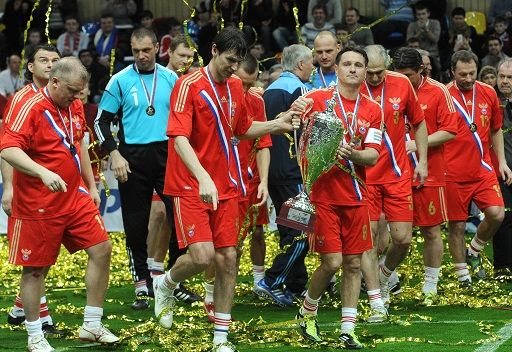 روسيا تفوز بكأس أساطير كرة القدم