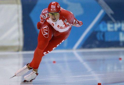 الروسي يوسكوف يتوج بذهبية سباق التزحلق السريع