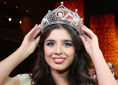 إلميرا عبد الرزاقوفا ملكة جمال روسيا 2013