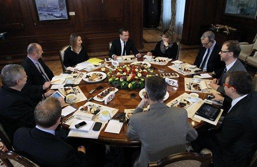 مدفيديف لا يستبعد وجود خطة لاستهداف المنظومة المصرفية في قبرص