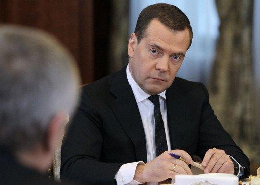 مدفيديف: تجميد أرصدة عدة مؤسسات حكومية روسية في قبرص يثير قلق موسكو