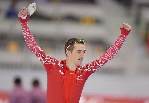 الروسي يوسكوف بطلا للعالم في سباق التزحلق السريع