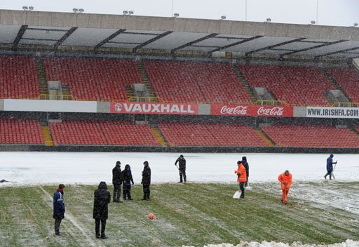 تأجيل مباراة ايرلندا الشمالية وروسيا بسبب العواصف الثلجية