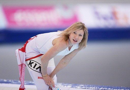 الروسية فاتكولينا بطلة للعالم في سباق التزحلق السريع