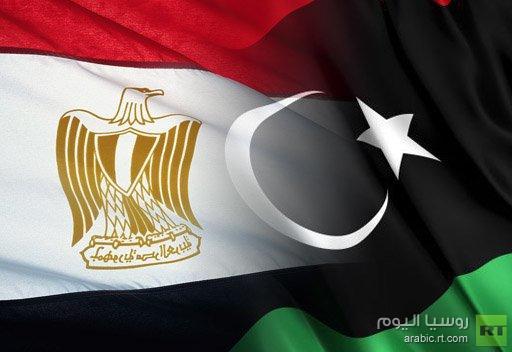 مصر ترحل اثنين من كبار المسؤولين في النظام الليبي السابق الى طرابلس