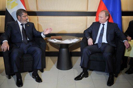 لافروف: مرسي خلال لقائه بوتين أبدى اهتماما بشراء الغاز الروسي