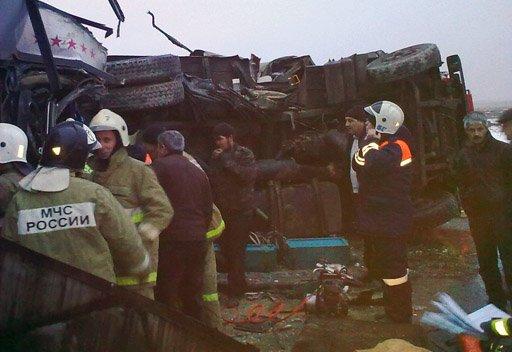 حادث مروري يؤدي الى مقتل ستة اشخاص وجرح 18 آخرين
