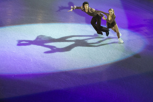 الثنائي الروسي ستيبانوفا وبوكين ينال ذهبية العالم في التزلج الإيقاعي