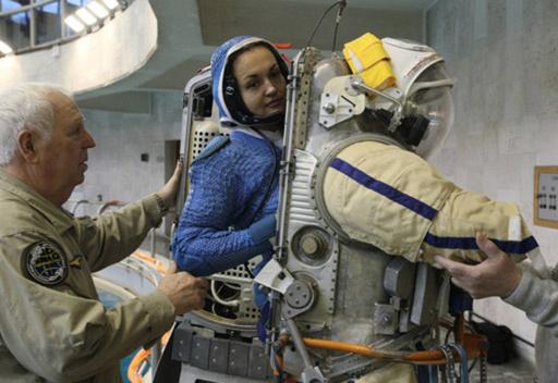 بعد فترة انقطاع دامت 17 عاما روسيا ترسل سيدة الى الفضاء