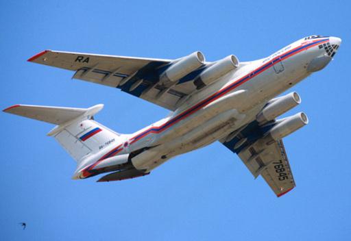 وصول طائرة وزارة الطوارئ الروسية المحملة بالمساعدات الى اللاذقية