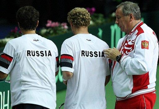 بريطانيا تقلص الفارق مع روسيا في كأس ديفيز للتنس
