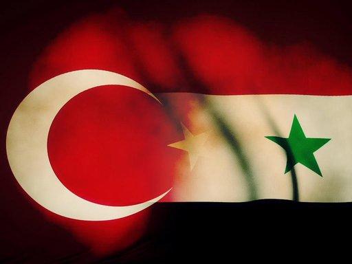 داود اوغلو: لا يحق لأحد ان يملئ على الشعب السوري ما يجب فعله