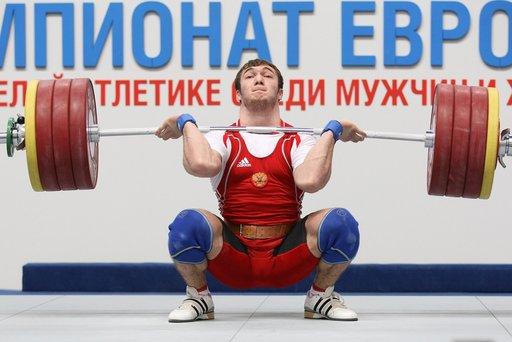 الرباع الروسي أوخادوف يتوج بذهبية أوروبا