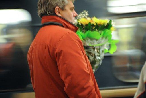 روسي يعود الى المكان الذي التقى فيه فتاة أحلامه كل يوم على مدى شهرين في انتظارها