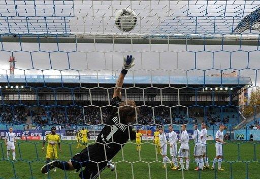 أنجي يقصي دينامو موسكو من كأس روسيا