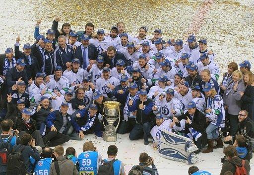 دينامو موسكو يحرز كأس غاغارين لهوكي الجليد