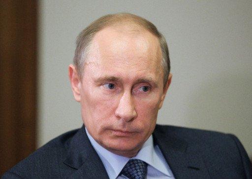 بوتين ورئيس الاتحاد الدولي لأنواع المصارعة يشددان على أهمية المصارعة