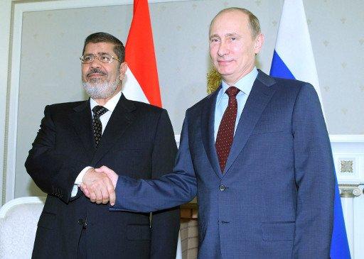 الكرملين: بحثت مسألة منح مصر قرضا في محادثات بوتين مع مرسي وكلفت وزارتا مالية البلدين بدراستها