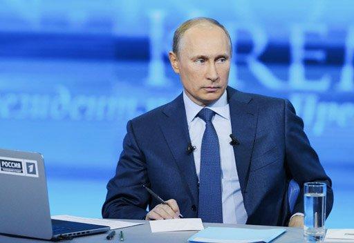 بوتين يتعهد بمكافحة الفساد ويشير الى أرقام قياسية في النمو السكاني