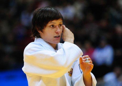 الروسية ناتاليا كوزيوتينا تتوج بطلة لأوروبا في الجودو