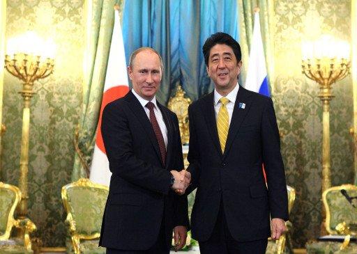 بوتين وشينزو آبي يبحثان قضايا معاهدة الصلح والتعاون الثنائي