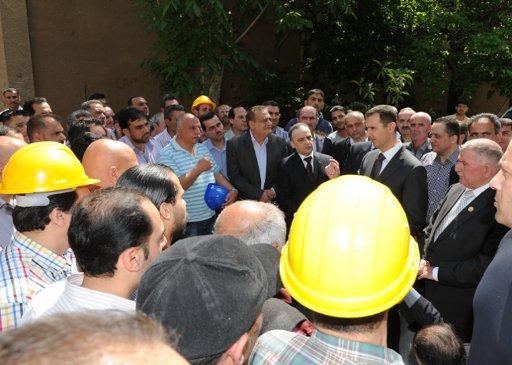 الرئيس الأسد يزور محطة كهرباء الأمويين وسط دمشق