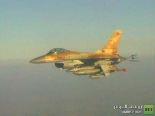 إسرائيل تستهدف أنظمة دفاع جوي سورية