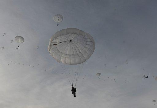 مسؤول عسكري روسي: يجب ان تنجز اعادة تسليح قوات الانزال الجوي خلال 3 – 5 سنوات