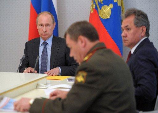 بوتين: الجيش الروسي يجب أن يضمن أمن البلاد في جميع الأحوال