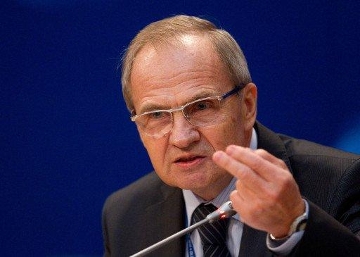 رئيس المحكمة الدستورية الروسية يحذر من انتشار الأزمة الليبية بعد