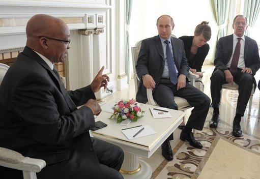بوتين: روسيا وجنوب إفريقيا ستنسقان مواقفهما من الملف السوري لوقف العنف ومنع التدخل الأجنبي