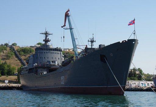 مصدر عسكري روسي: انضمام سفينتي انزال الى مجموعة سفن المتوسط