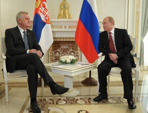 بوتين: مستعدون لتوظيف 1.5 مليار يورو لتمويل القطاع الصربي من خط غاز