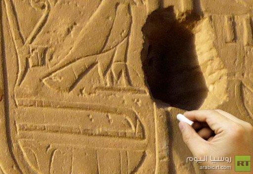 صيني ينقش اسمه على جدار فرعوني يعود إلى 3500 سنة