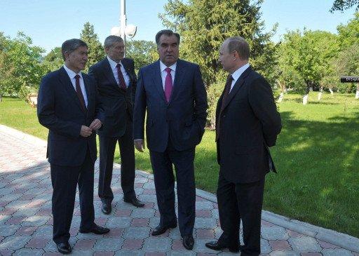 رؤساء روسيا وقرغيزيا وطاجيكستان يبحثون مشاكل التعاون الاقتصادي والأمني