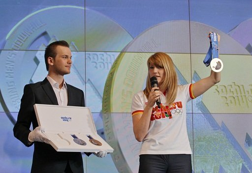 روسيا تكشف عن ميداليات أولمبياد سوتشي 2014