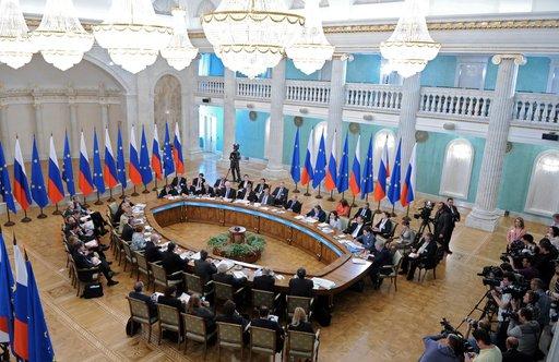 بث مباشر - المؤتمر الصحفي المشترك للرئيس فلاديمير بوتين ورئيس المجلس الأوروبي هيرمان فان رومبوي ورئيس المفوضية الاوروبية جوزيه مانويل باروزو