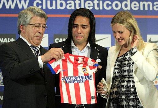 فالكاو يودع أتلتيكو مدريد بالدموع