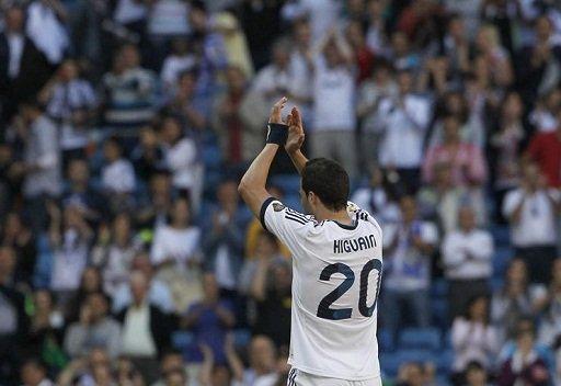 رسمياً .. هيغواين يعلن الرحيل عن ريال مدريد