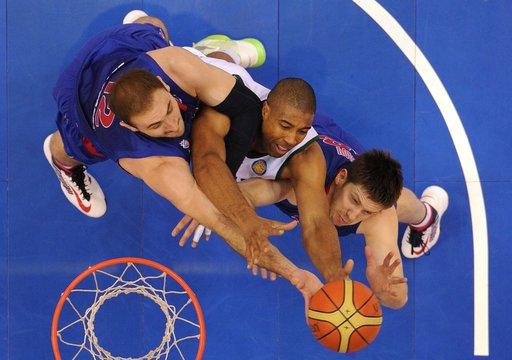تسيسكا موسكو يجدد فوزه على لوكوموتيف كوبان في نهائي الدوري الموحد لكرة السلة