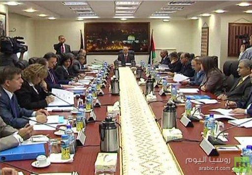 الحكومة الفلسطينية تعقد اجتماعها الأول والاقتصاد على رأس الأولويات