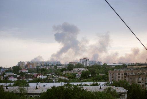 استمرار انفجارات مستودع الذخيرة في سامارا بسبب حرارة الجو