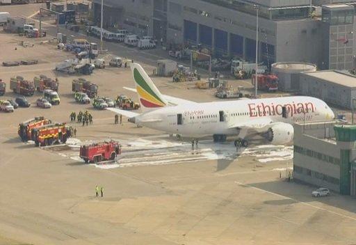 حريق في طائرة أثيوبية بمطار هيثرو البريطاني