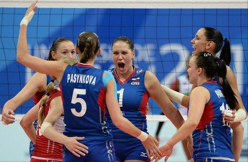 منتخب سيدات روسيا لكرة الطائرة يتوج بطلا لليونيفرسياد