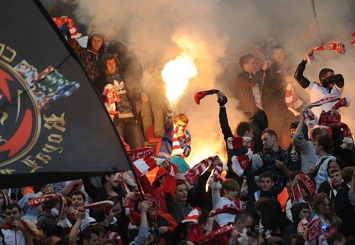 روسيا تشدد العقوبات المفروضة على مثيري الشغب في الملاعب الرياضية