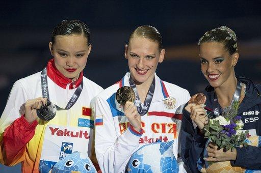 الروسية روماشينا تحرز الذهبية الثالثة في بطولة العالم للألعاب المائية