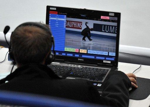 الروس يكرسون 24 ساعة في الشهر لمشاهدة مقاطع فيديو على الإنترنت