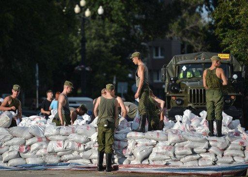 وزارة الدفاع الروسية تعزز قوتها المساعدة في إزالة آثار الفيضان في شرق روسيا