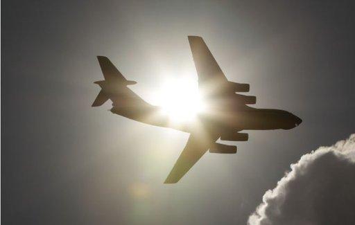 طائرة روسية تنقل 20 طن مساعدات لسورية وتعود بمائة مواطن روسي الى بلدهم